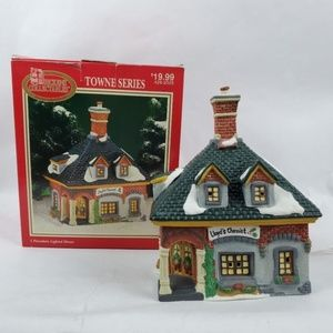 Dickens Collectables Lloyds Chemist Lighted House